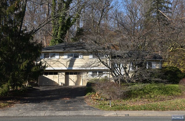 562 Lafayette Ave Pascack Valley Home Listings - Susan Laskin Real Estate