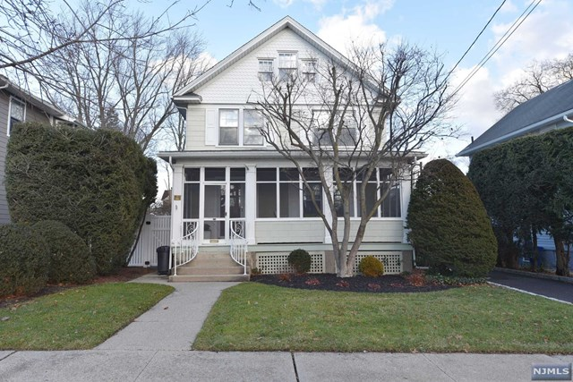 427 Center Ave Pascack Valley Home Listings - Susan Laskin Real Estate